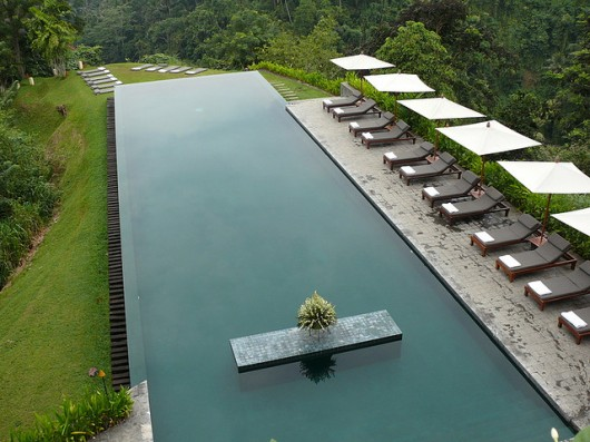 Modern infinity edge pools shelby white the blog of for Pool edges design