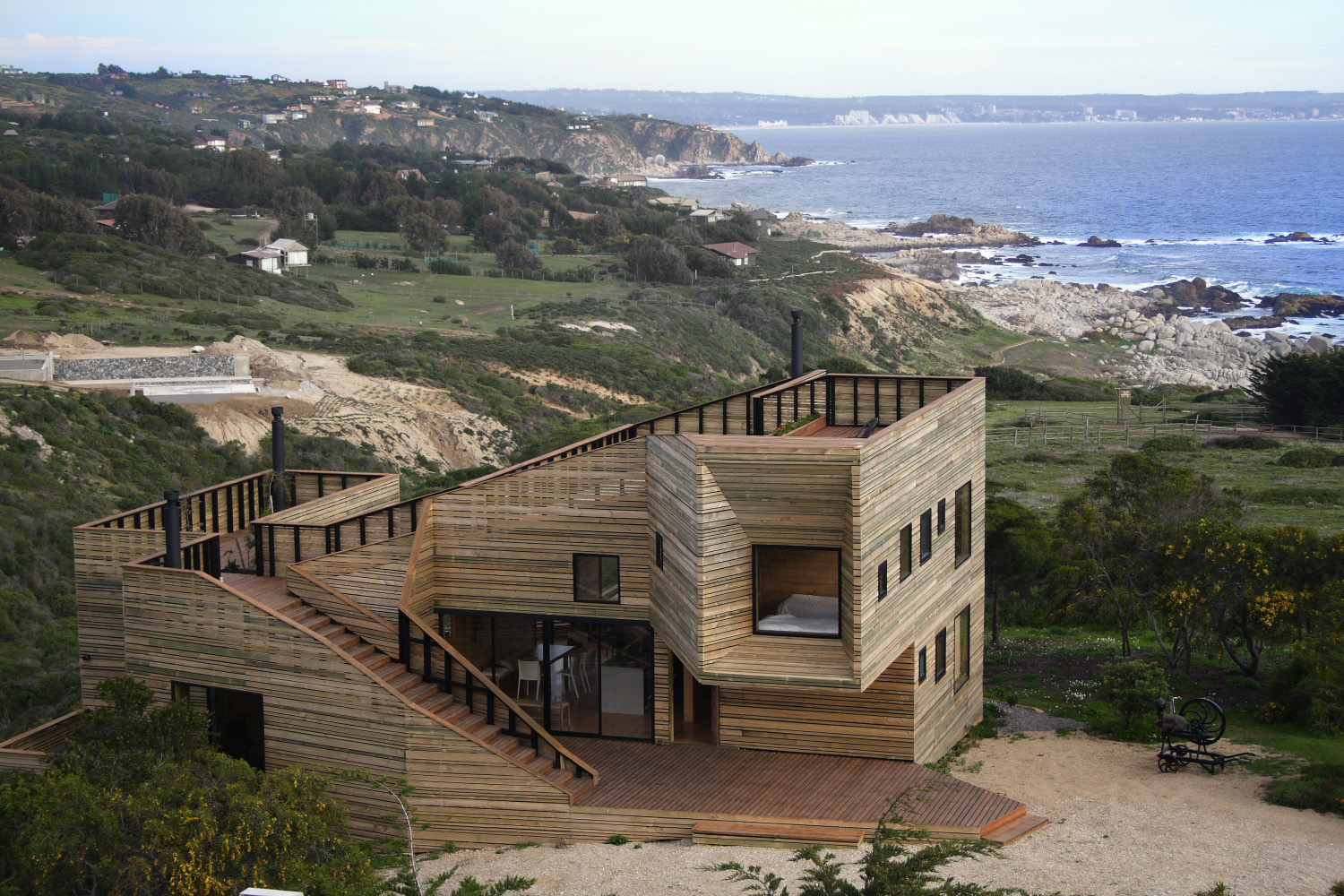 Metamorphosis House in Chile | WANKEN - The Art & Design blog of ...